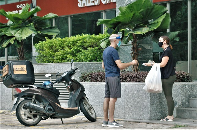 In Photos: Foreigners Social Distancing in Vietnam