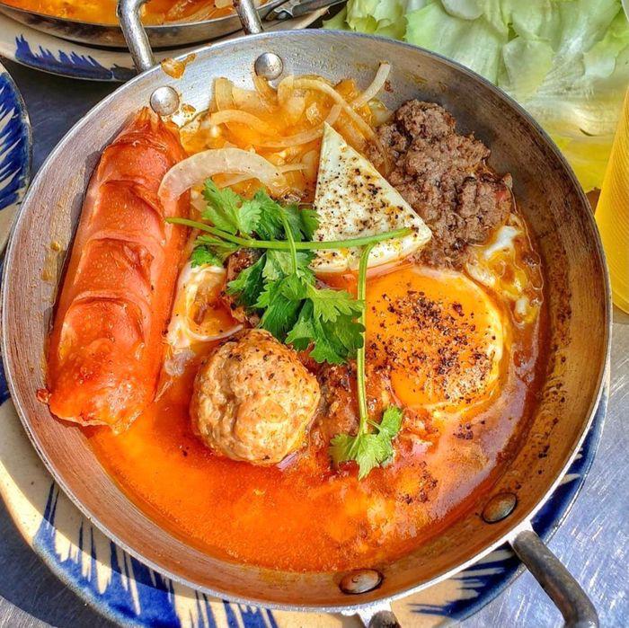 6 Creative Banh Mi Dishes in Vietnam