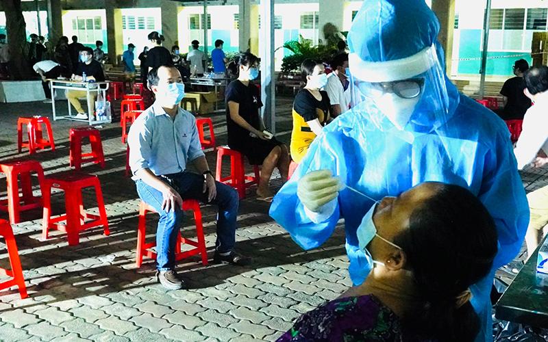 People Volunteer at Frontline of Covid-19 Pandemic