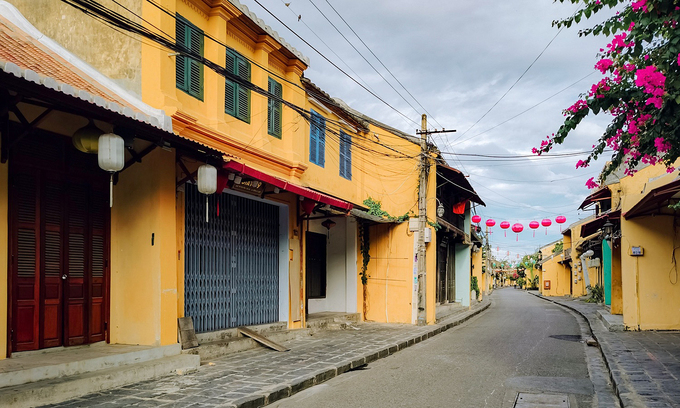 An empty street in Hoi An ancient town, July 2020. Photo: VnExpress