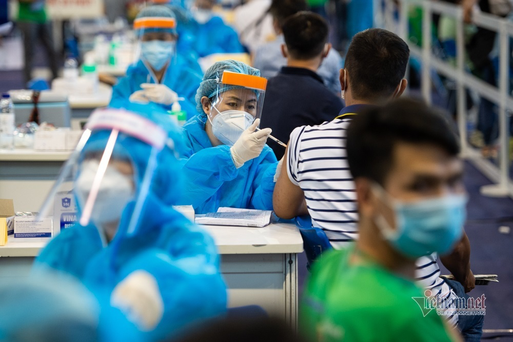 Vietnam News Today (July 30): Ho Chi Minh City to Vaccinate People After 6 p.m.