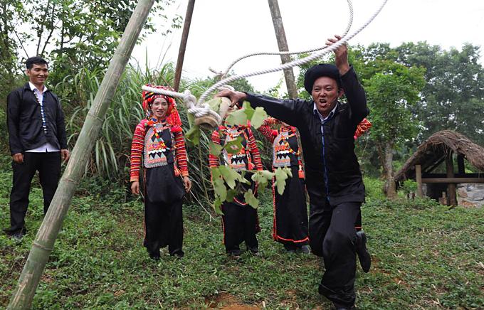The Other Tet: Ha Nhi Rainy Season Festival