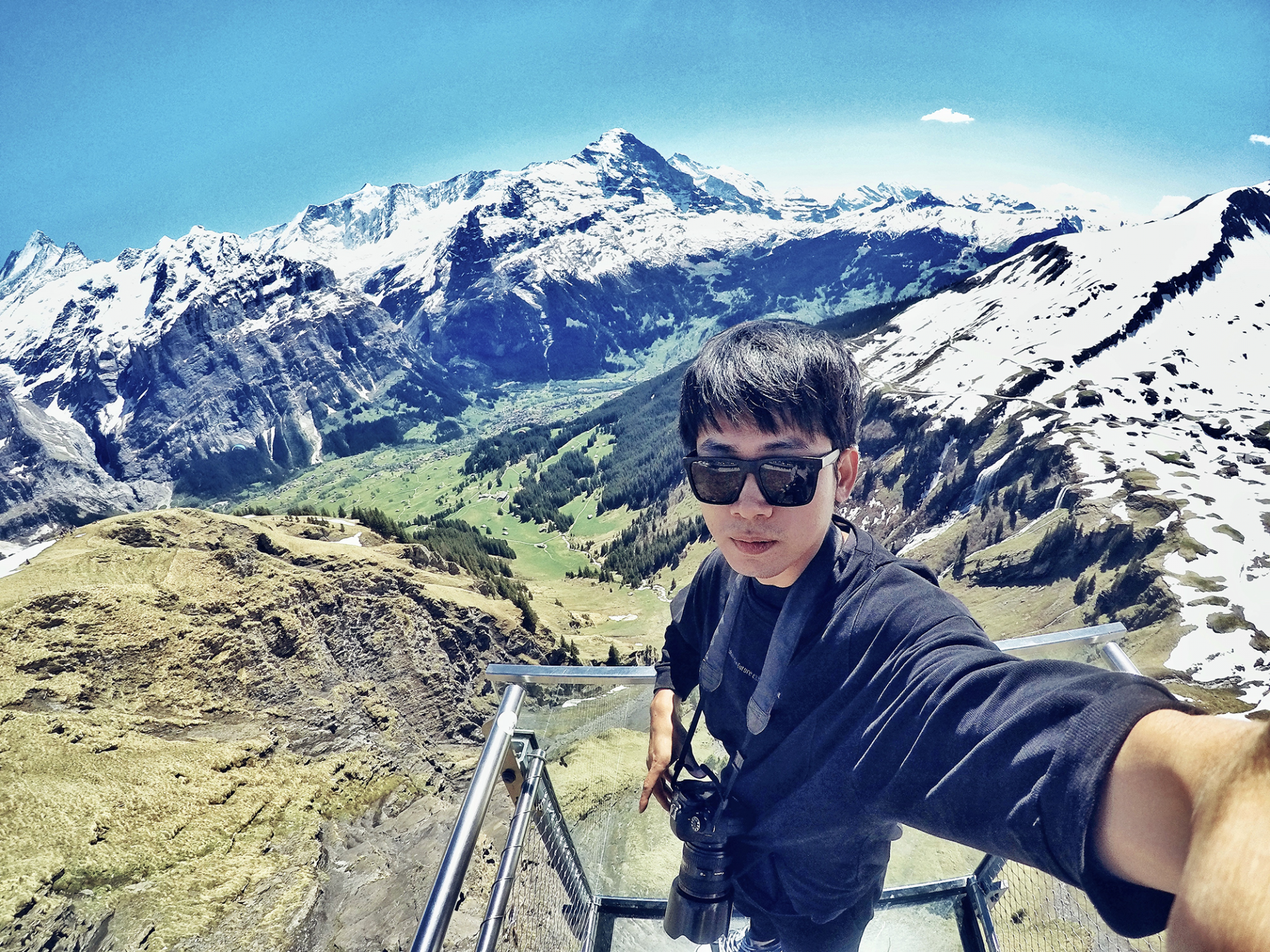 Vietnamese Man Travels to 30 Countries - Video