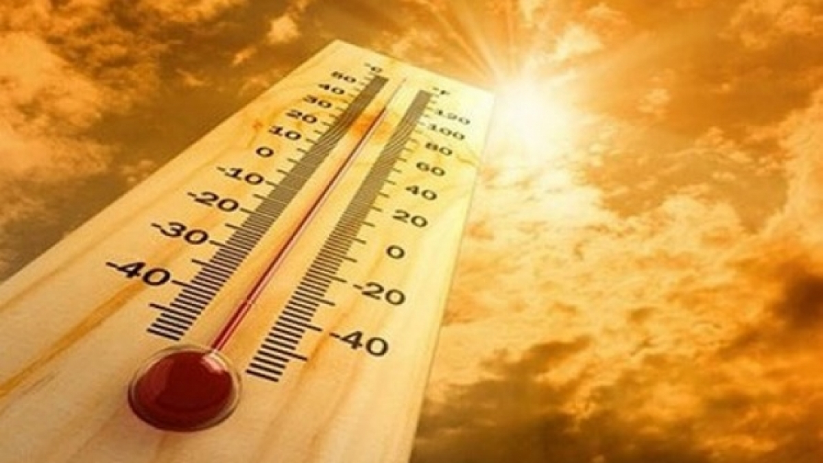 The prolonged heatwave is forecast to last till the middle of next week. Photo: VOV