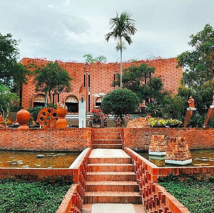 Unique Terracotta Park Honors Craft Villages in Vietnam