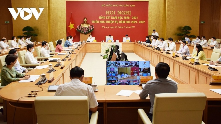 PM Pham Minh Chinh chairs the national online conference of the education and training sector. Photo: VOV