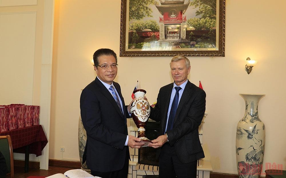Vietnam Embassy in Russia Promotes People-to-People Diplomacy
