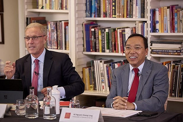 Foreign Investors Continue to Work with Vietnam Despite Covid Complications