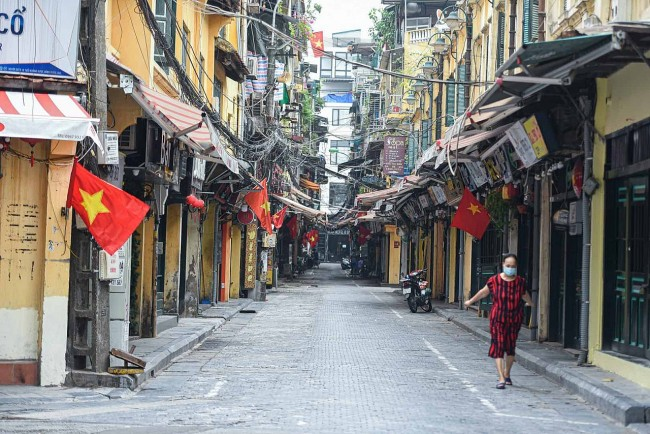 In Photos: Peaceful Hanoi that Everyone Misses Amid Social Distancing