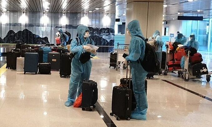 Vietnam News Today (September 6): Vietnam Welcomes First International Flight Under Vaccine Passport Policy