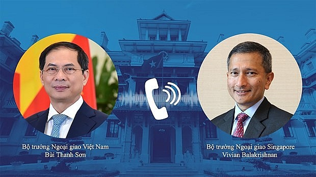 Minister of Foreign Affairs Bui Thanh Son and his Singaporean counterpart Vivian Balakrishnan hold phone talks on September 7. Photo: VNP