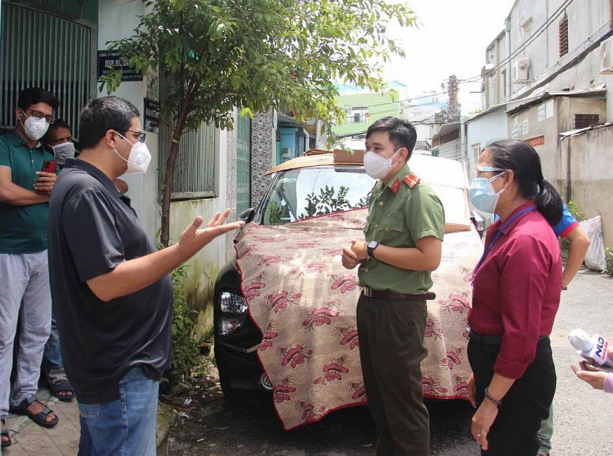 Foreigners in Difficulty in Ho Chi Minh City Receive Support Amid Covid-19