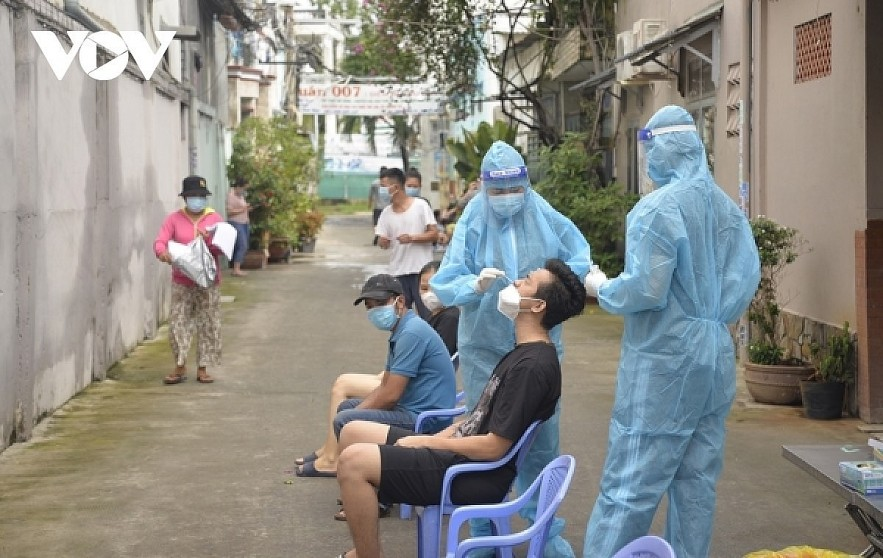 Testing is a key COVID-19 prevention and control measure in HCM CIty. Photo: VOV