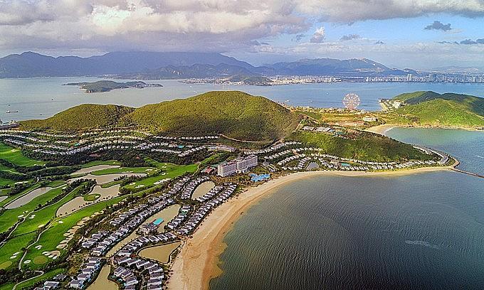 A resort on Hon Tre Island in Nha Trang Bay. Photo: VnExpress