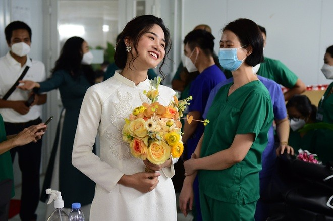Love in Times of Covid: HCMC Nurse Attends Virtual Wedding
