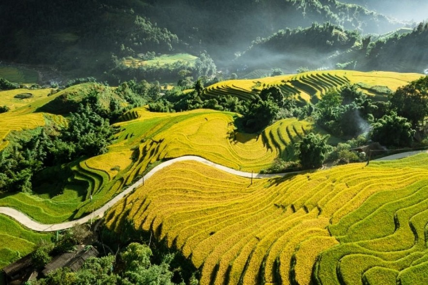 Vietnam is listed among top 30 destinations in October  by popular travel magazine Condé Nast Traveler. Photo: Duong Quoc Hieu/Bao Dan Toc