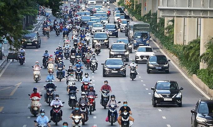 Vehicles run on a downtown Hanoi street, September 2021. Photo: VnExpress