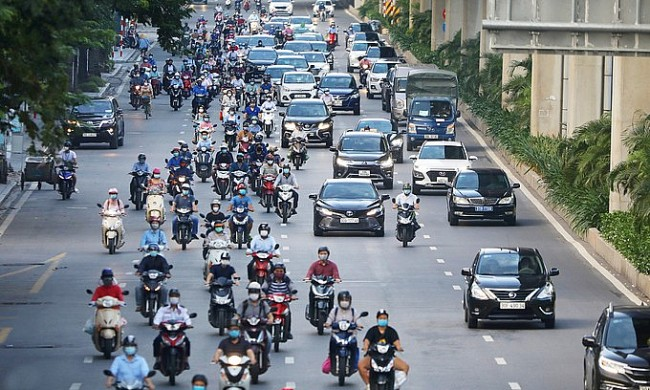 Vietnam News Today (October 14): Hanoi Allows On-site Dining, Taxi Services