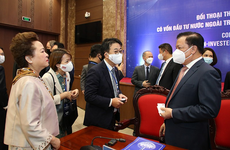 Hanoi Discusses Difficulties for Foreign-invested Enterprises