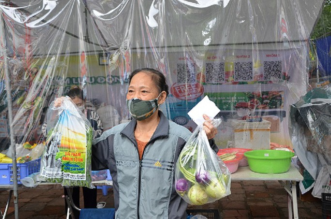Hanoi's Newest Green Scheme: Exchanging Plastic Waste for Food