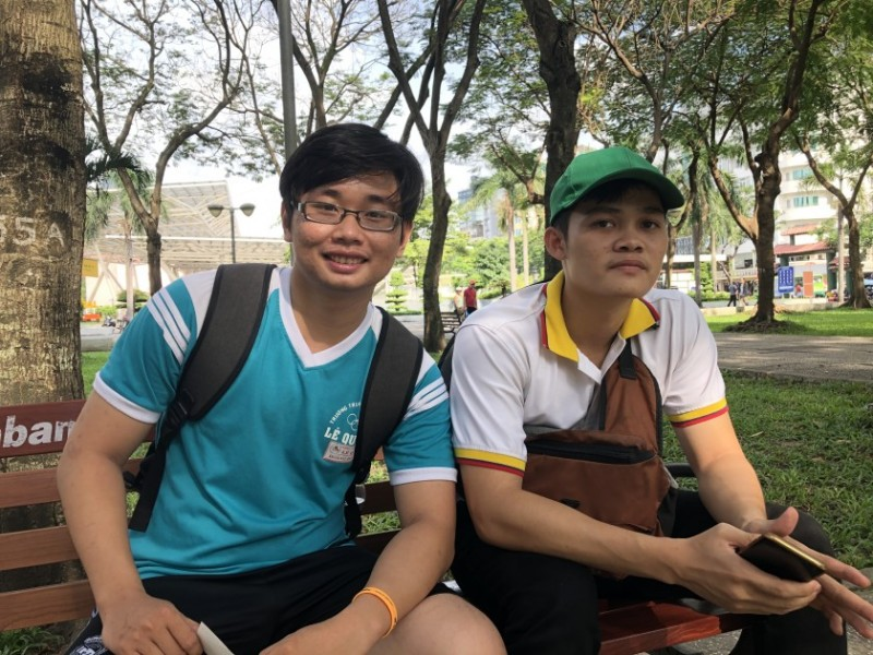 vietnamese flock to this park to catch a tourist and learn english for free