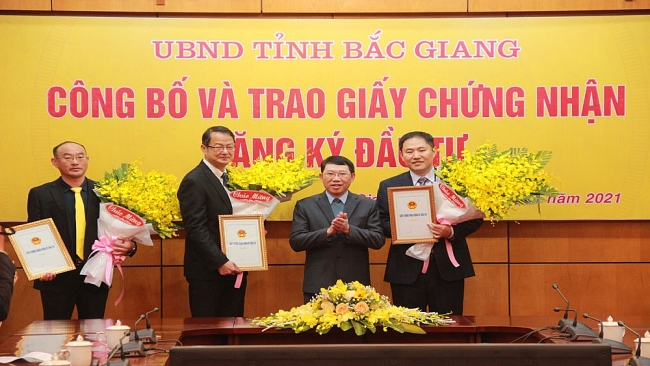 Foxconn invests in $270 million project in Bac Giang
