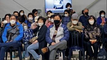 COVID-19 travel bans trap South Koreans abroad