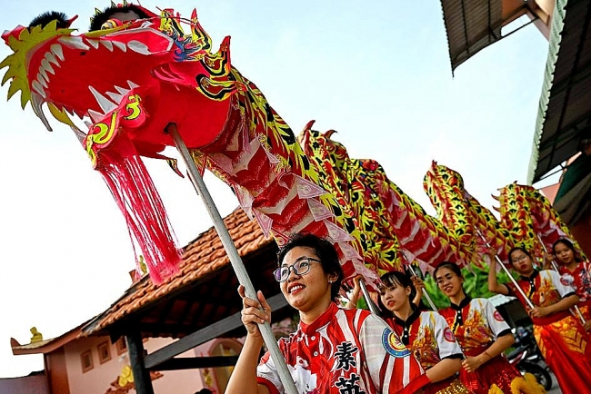 Female dragon dancer scale-up ambitions in Vietnam