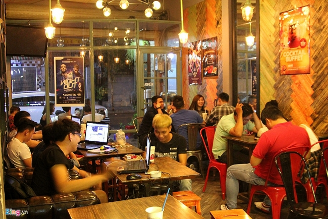Internet fee in Vietnam surprises foreigners