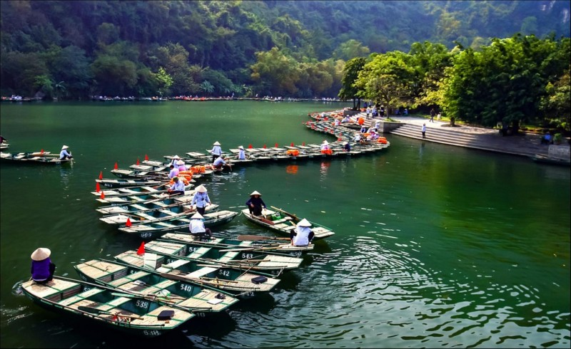 top 5 destinations in vietnam far from crowd and at budget prices