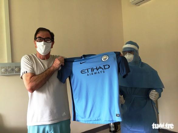 49th coronavirus patient a british passenger thank you vietnamese doctors