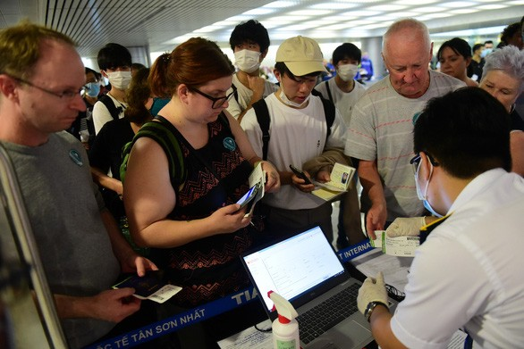 urgent passengers of eight covid 19 infected flights urged to get health check asap