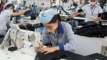 vietnams garment exports down 35 during jan feb