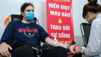 Expats in Hanoi donate blood amid COVID-19: