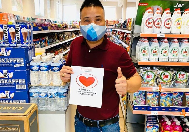 vietnamese in czech step up to fight covid 19 pandemic