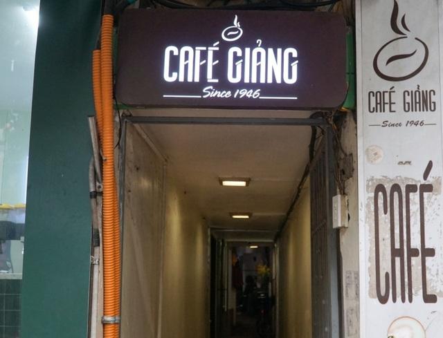 Four must visit oldest cafés in Hanoi