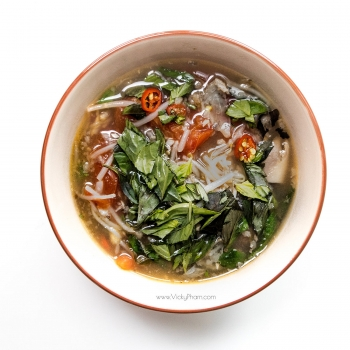 Recipe: Vietnamese sweet and sour catfish soup (canh chua ca)