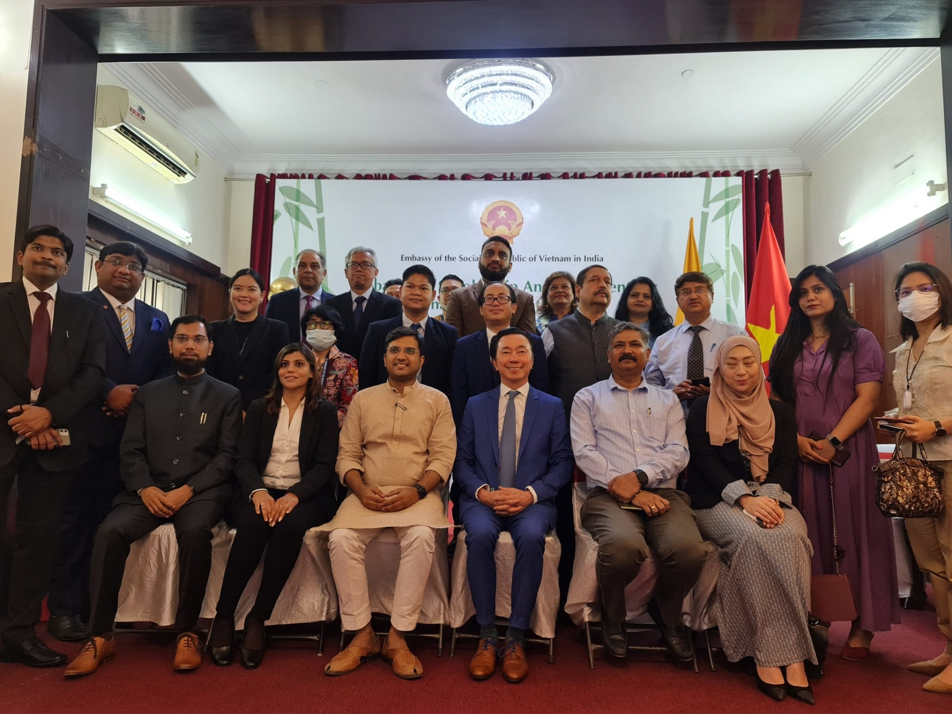 Vietnamese Embassy launches 113 scholarships for Vietnamese students in India