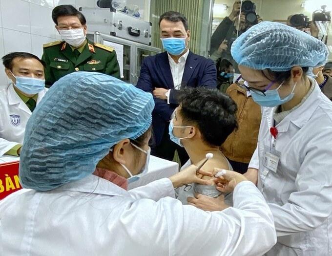 1451-vaccine-covid-19-vn-1-7017-160-6420-9352-1608176756