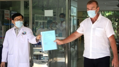 British COVID-19 patient thanks Vietnam for being successfully treated