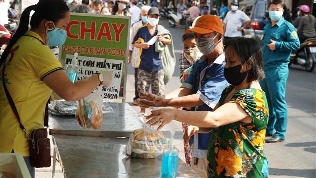 Vietnamese show kindness amid COVID-19 pandemic
