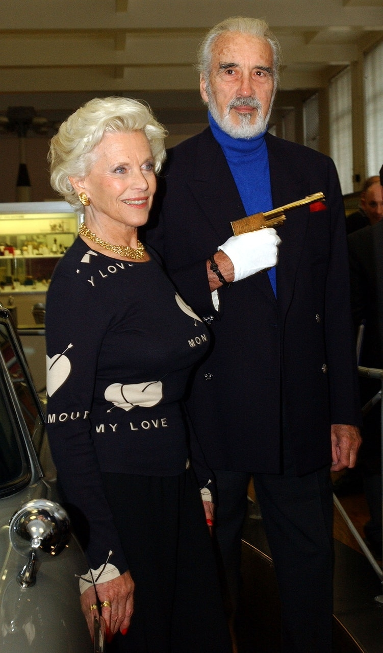 news world today life and career of james bond star honor blackman photos