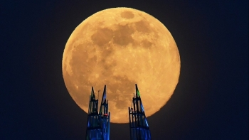 world news today fullmoon may 2020 shines the brightest national nurses day launched