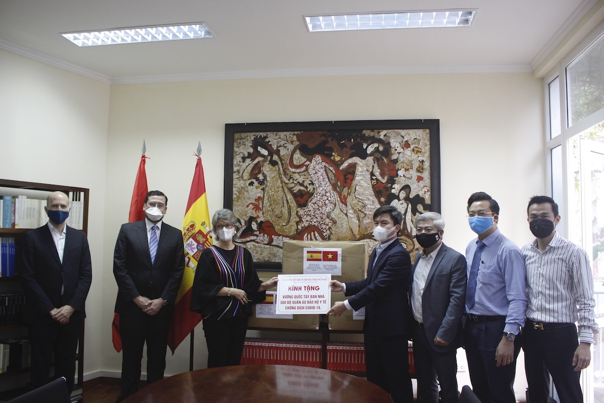 spanish ambassador never forget the deep affection of vietnamese