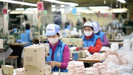 Made-in-Vietnam face masks exported to US, EU