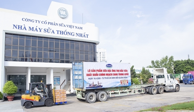 overcoming obstacles due to covid 19 vinamilk exports first batch of condensed milk to china