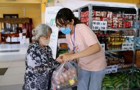 First 'Zero-VND Happy Supermarket' launched in Ho Chi Minh city
