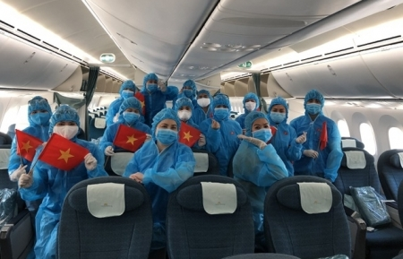 Vietnam arranges 13 special flights to bring home stranded overseas citizens