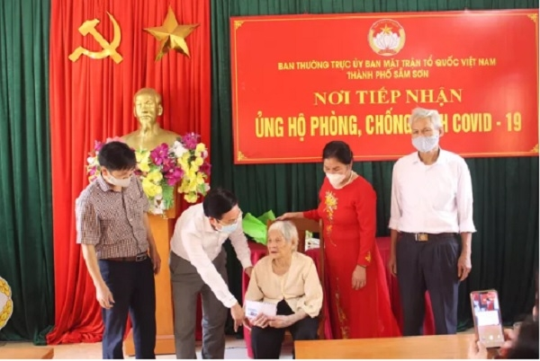 vietnamese 107 year old grandmother donates her life savings to covid 19 fund