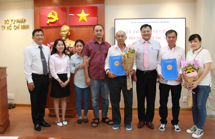 Two Taiwanese - Chinese granted Vietnamese citizenship